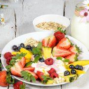 Zahngesundheit beginnt bei der Ernährung. Gesunde, faserreiche Kost schützt vor Zahnverlust.