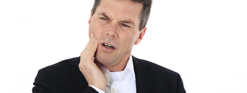 Eine Wurzelentzündung kann eine geschwollene Wange verursachen
