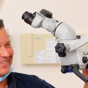 Dr. Fischer, Zahnarzt Karlsruhe Durlach. Endodontie unter Endodontiemikroskop